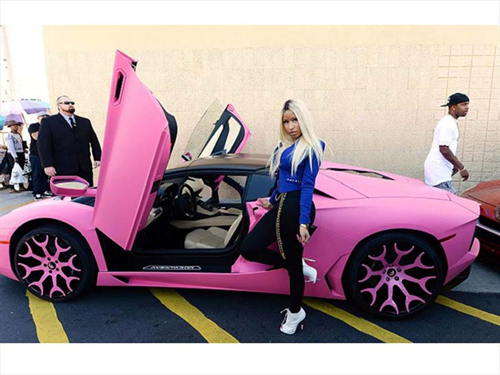 17-female-celebrities-who-drive-the-most-luxurious-cars-in-the-world_3