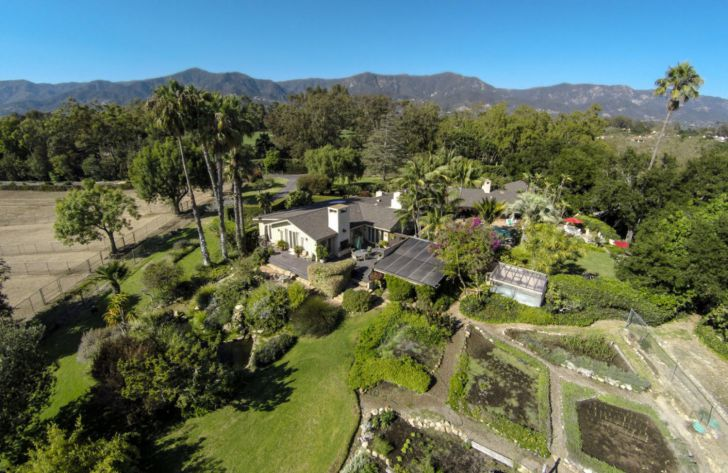 A Peek Inside Oprah Winfrey's Mammoth $90 Million Montecito Mansion_23