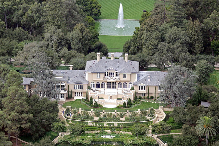 a-look-inside-oprah-winfreys-mammoth-90-million-montecito-mansion_4