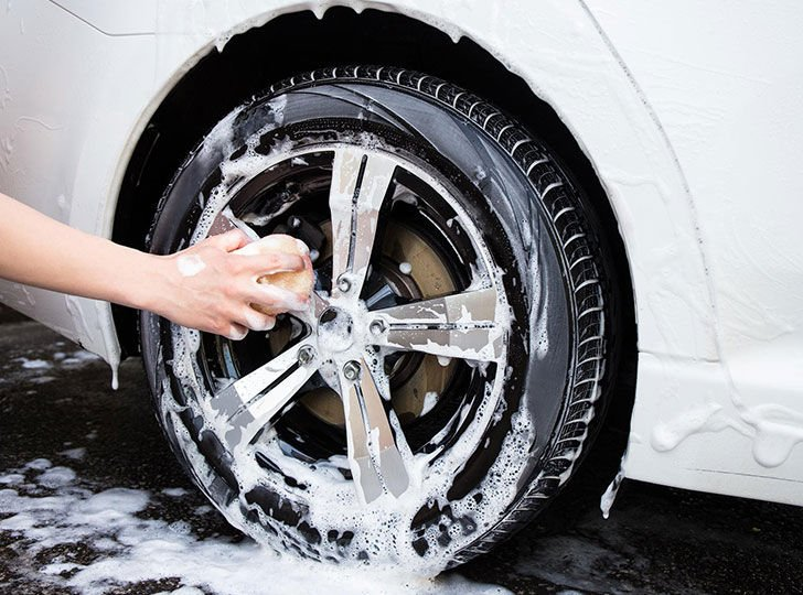 car-cleaning-made-easy-12-fabulous-cleaning-hacks_13