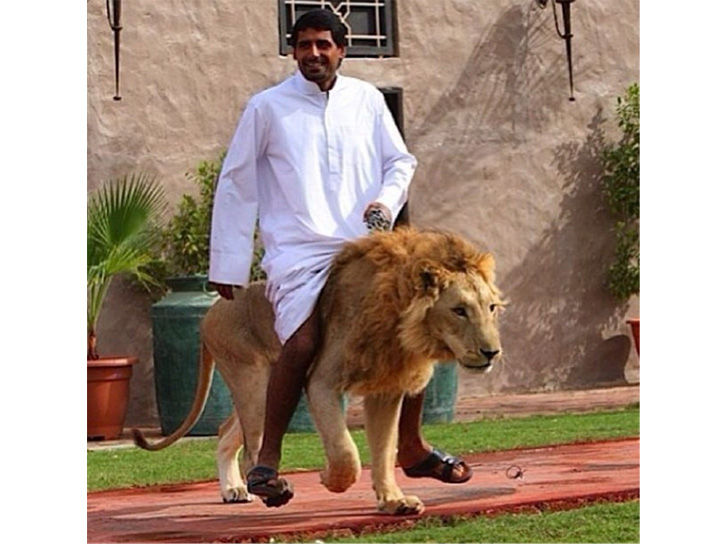 land-of-the-rich-15-crazy-things-that-you-only-see-in-dubai_11