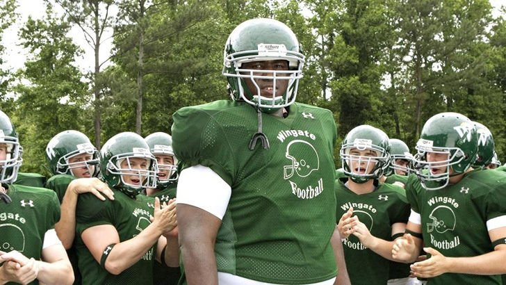michael-oher-tells-a-whole-different-story-about-the-blind-side_18