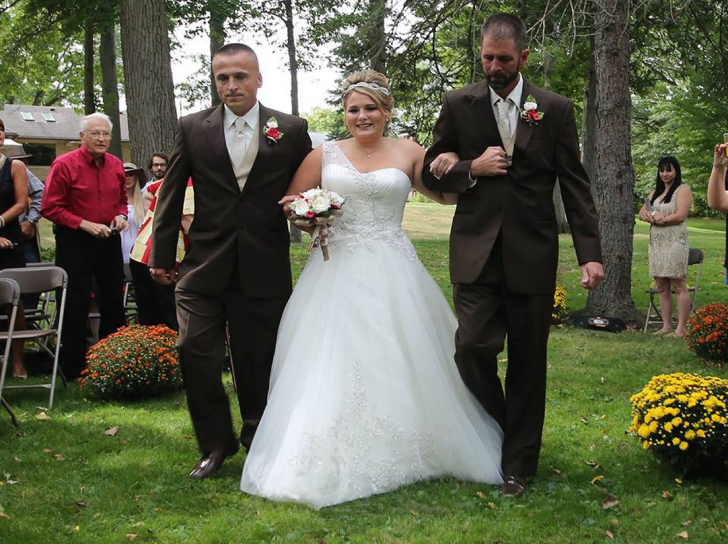 one-bride-and-two-dads-the-most-heartwarming-moment_6